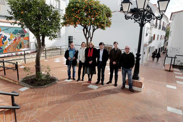 Finaliza la remodelación integral de la Plaza de la Cruz en Benalmádena Pueblo