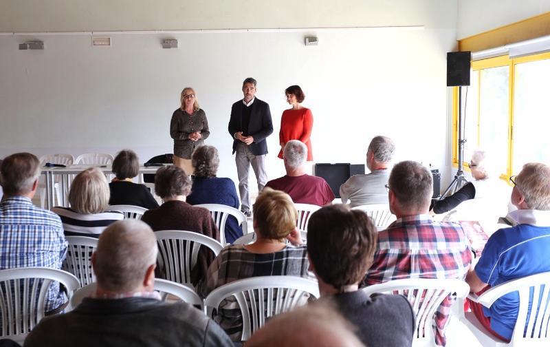 El Alcalde de Benalmádena y la Concejala Ana Scherman mantienen un encuentro con residentes finlandeses