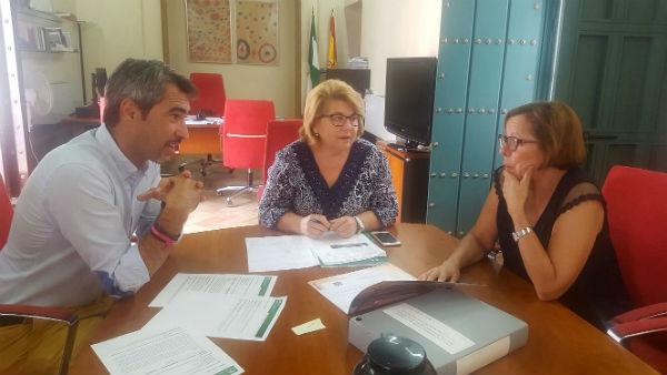El Alcalde de Benalmádena y la Concejala de Cultura mantienen una reunión con la Directora General de Bienes Culturales y Museos de Andalucía para la puesta en valor de los Yacimientos Arqueológicos del Municipio