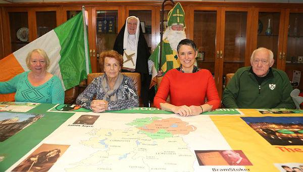 La comunidad Irlandesa de Benalmádena presenta su festividad de San Patricio
