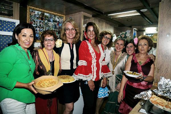 La alcaldesa acompaña a la Hermandad Nuestra Señora del Rocío durante su salida de romeros