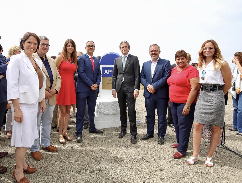 EL Ministro de Fomento y El Primer Teniente de Alcalde de Benalmádena presiden el acto de colocación de la primera de las obras de  remodelación  de la salida Km 222