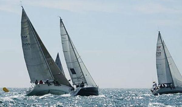 Los veleros Mister J, Gámez Pinazo, Maravan y Rebalaje se reparten las victorias de la XV Semana Náutico Costa del Sol, primera prueba del Campeonato de Andalucía de Clase Crucero celebrada en aguas de Benalmádena