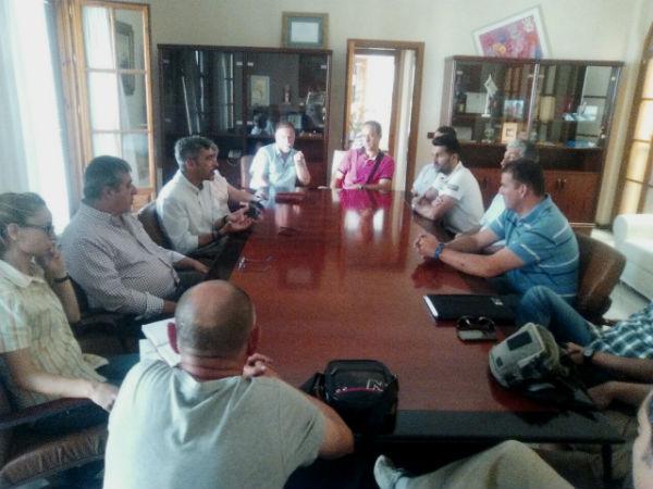 El alcalde y el concejal de personal se reúnen con los sindicatos que representan a los trabajadores municipales