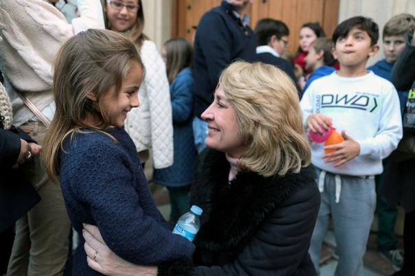 La alcaldesa agradece la implicación y solidaridad de los vecinos con las familias más desfavorecidas durante la Navidad