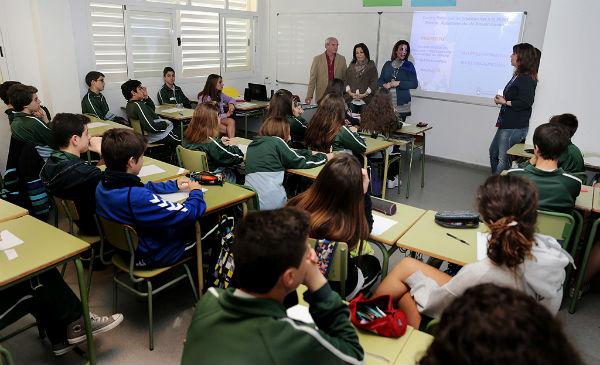 Más de 750 alumnos benalmadenses participan en los talleres de sensibilización e información para la prevención de la violencia de género