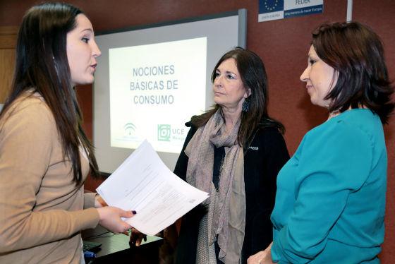 El Centro Municipal de Formación Permanente acoge un taller de 'Nociones básicas de consumo'
