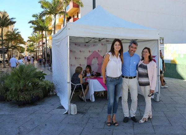El Alcalde Víctor Navas y la Concejala Irene Díaz participan en la Carpa de la Memoria instalada por AFAB con motivo del Mes Mundial del Alzheimer