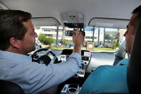 Los taxis de Benalmádena ponen en funcionamiento los taxímetros para ofrecer una mayor calidad en su servicio