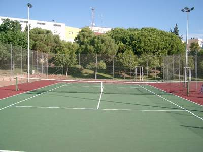 Renovadas las Pistas de Tenis del Polideportivo de Arroyo de la Miel