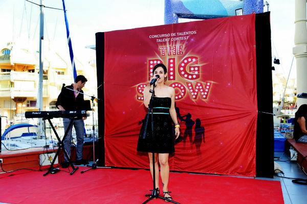 Cerca de una veintena de artistas participan en el concurso de talentos 'The Big Show' en el Puerto Deportivo