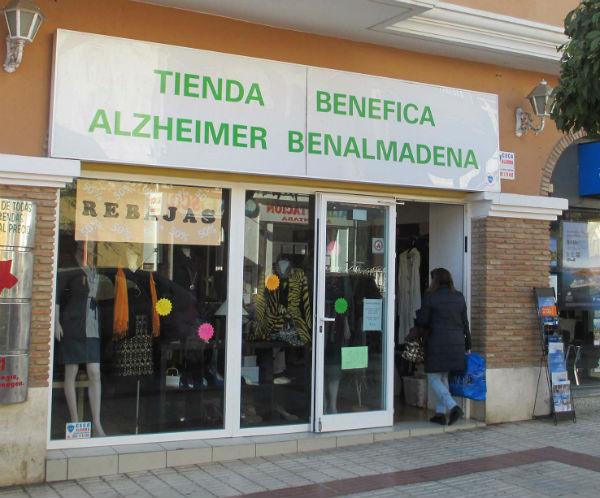 En marcha la campaña de rebajas en la tienda solidaria de AFAB Alzheimer Benalmádena