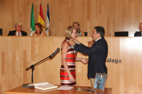 La alcaldesa de Benalmádena, Paloma García Gálvez, toma posesión como diputada provincial de Málaga