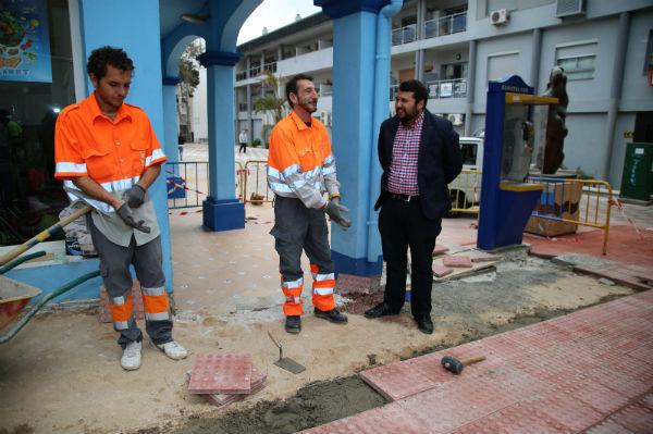 Trabajos de mejoras en avenida Salvador Vicente y Paseo del Generalife