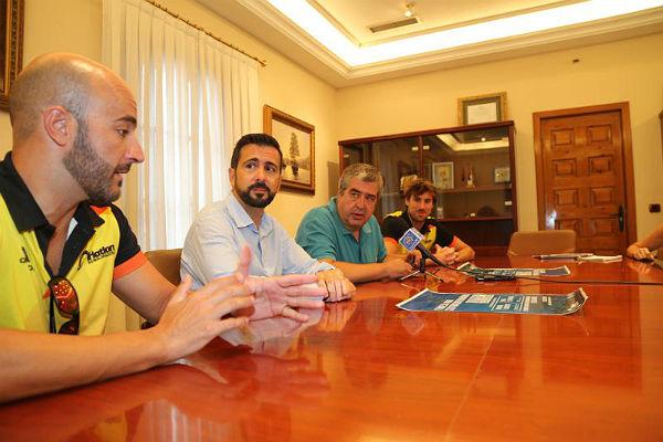 El Club Triatlón Benalmádena organiza este sábado su Primera Travesía a Nado