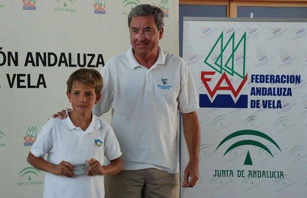 Gran papel del Club Náutico de Benalmádena en el Trofeo Hispanidad de la Clase Optimist celebrado en Cádiz