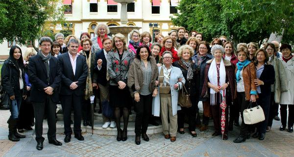 Más de 70 componentes de la Asociación de Mujeres y Residentes Foráneos participan en el programa 'Hoy nos vamos a Diputación'