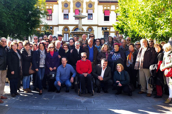 Más de medio centenar de mayores disfrutan de un viaje lúdico y cultural a la ciudad malagueña de Nerja