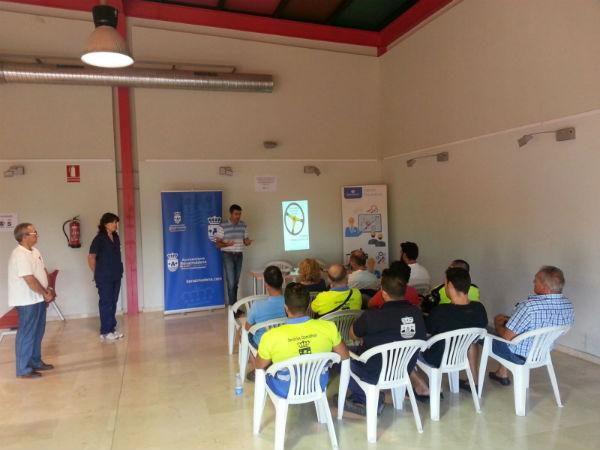 Una treintena de trabajadores del Ayuntamiento participan en una Jornada Sobre Seguridad Vial en el Centro Innova