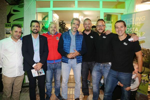 El Alcalde Víctor Navas participa en la Presentación de un Vídeo Promocional sobre Benalmádena realizado por una empresa local de Cicloturismo