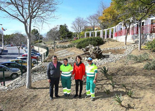 El Ayuntamiento acomete la mejora y acondicionamiento de la zona ajardinada del Edificio Innova
