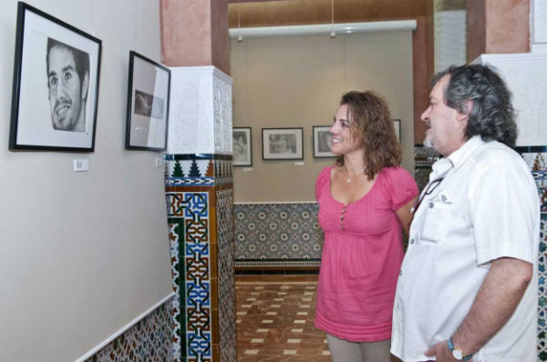 El Castillo del Bil-Bil acoge la exposición de pintura del artista local Juan Luis Pino