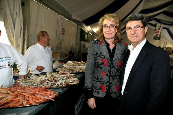 La VII Feria del Marisco de Benalmádena arranca en Puerto Marina con la previsión de recibir más de 30.000 visitantes.