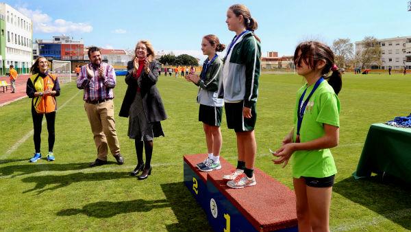 Más de medio millar de alumnos participan en la última sesión de la Jornada de Atletismo de los Centros Educativos de Benalmádena.