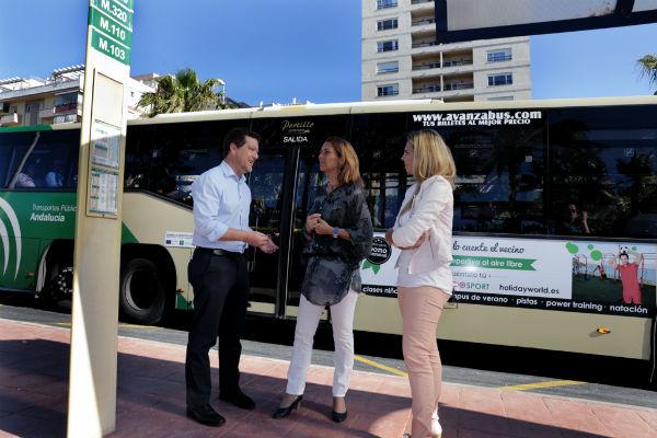 El Ayuntamiento pone en marcha una nueva parada de autobuses en la zona de Torrequebrada