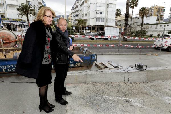 El Ayuntamiento acomete trabajos de mejora y adaptación en el acceso a la Playa de los Maites.