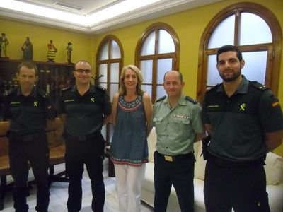 La Alcaldesa recibe al nuevo capitán de la guardia civil en la Costa del Sol occidental.