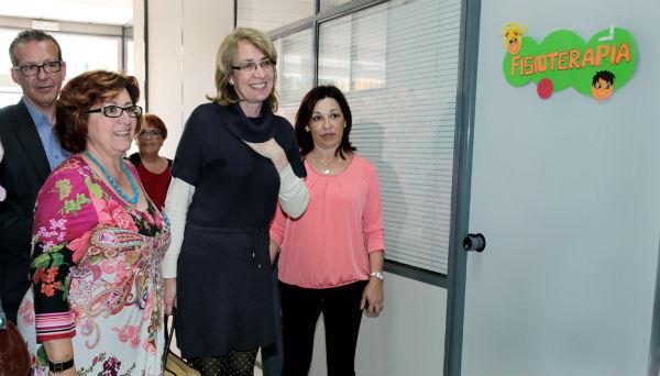 La alcaldesa visita las instalaciones cedidas por el Ayuntamiento a Abad, Asís y la Asociación Contra el Cáncer
