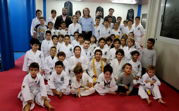 La alcaldesa aplaude los grandes éxitos nacionales e internacionales cosechados por la Escuela Municipal de Taekwondo de Benalmádena