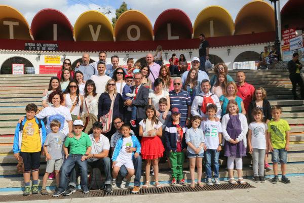 La Delegación de Bienestar Social organiza un día en Benalmádena para los pequeños de la Fundación Luis Olivares y sus padres