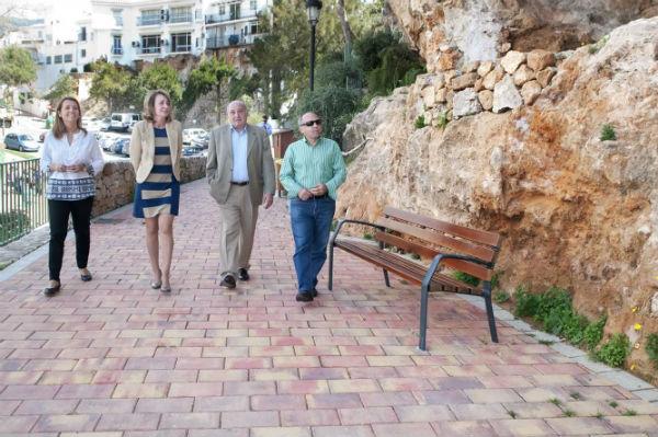La alcaldesa visita la zona norte de los Jardines del Muro tras una importante remodelación y puesta en valor
