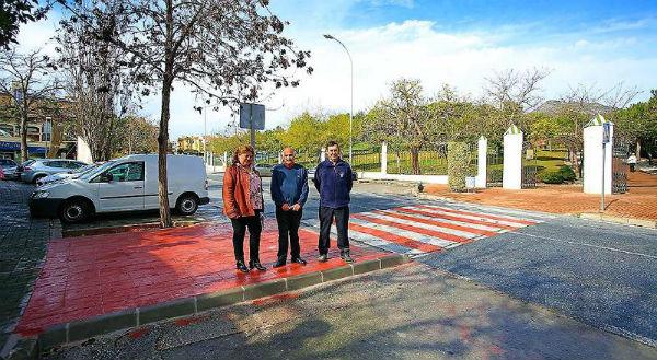Servicios Operativos acometen mejoras en pasos de peatones y eliminación de barreras arquitectónicas en el entorno del Parque de la Paloma