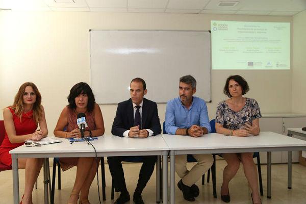 El Alcalde Víctor Navas y las Concejalas Ana Scherman y Beatriz Olmedo participan en la presentación de los negocios creados con el apoyo de Vives Emprendes
