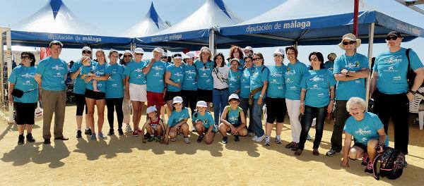 La XIII Marcha Solidaria 'Walkathon 2015' cita a mas de 1.200 personas en el paseo marítimo de Sunset Beach