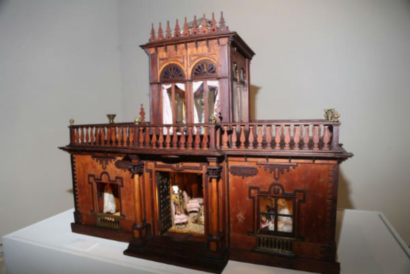 EXHIBITION DOLLS HOUSES AND TOYS, VORIA HARRAS COLLECTION