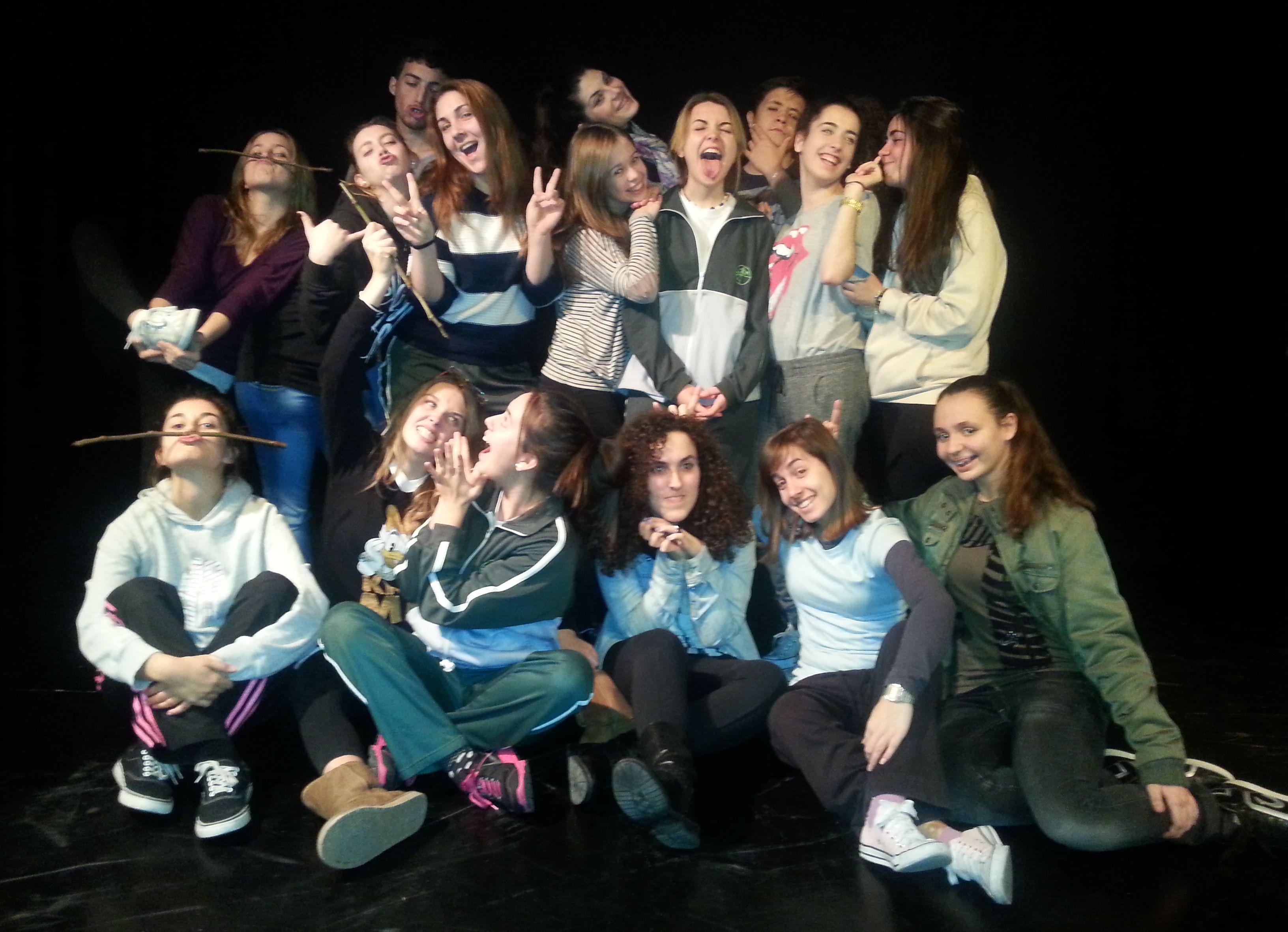 XXII Muestra de Teatro de Centros Docentes: Asociación Cultural Alezeiateatro ' Aequus libra. La última elegía'