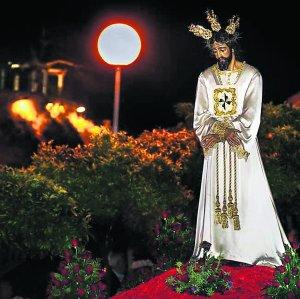Martes Santo: Procesión de Ntro. Padre Jesús Cautivo y María Stma. de la Esperanza