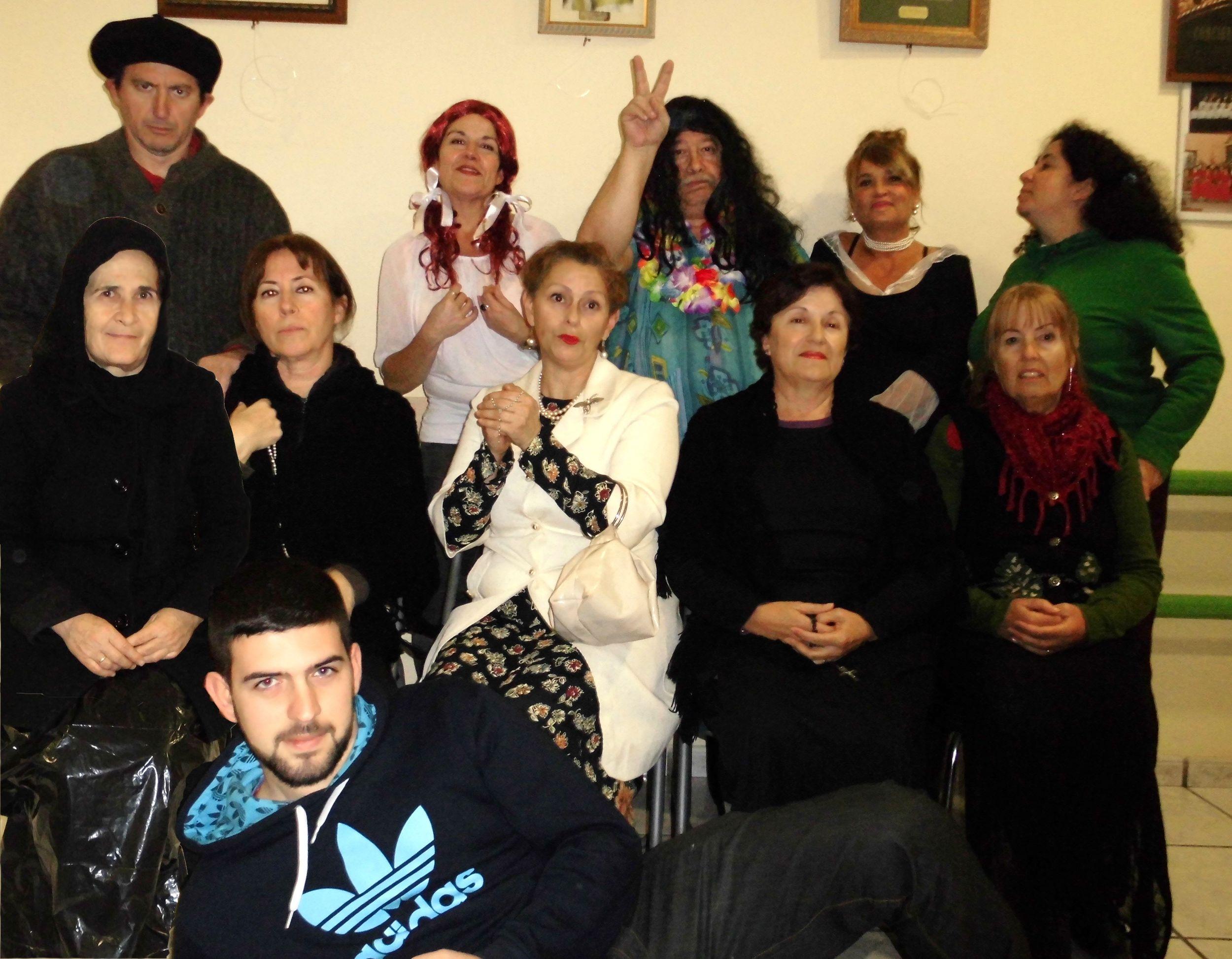 XXII Muestra de Teatro de Centros Docentes: Ateneo Sociocultural de Benalmádena ' El Album de fotos' (Spanglish Musical)