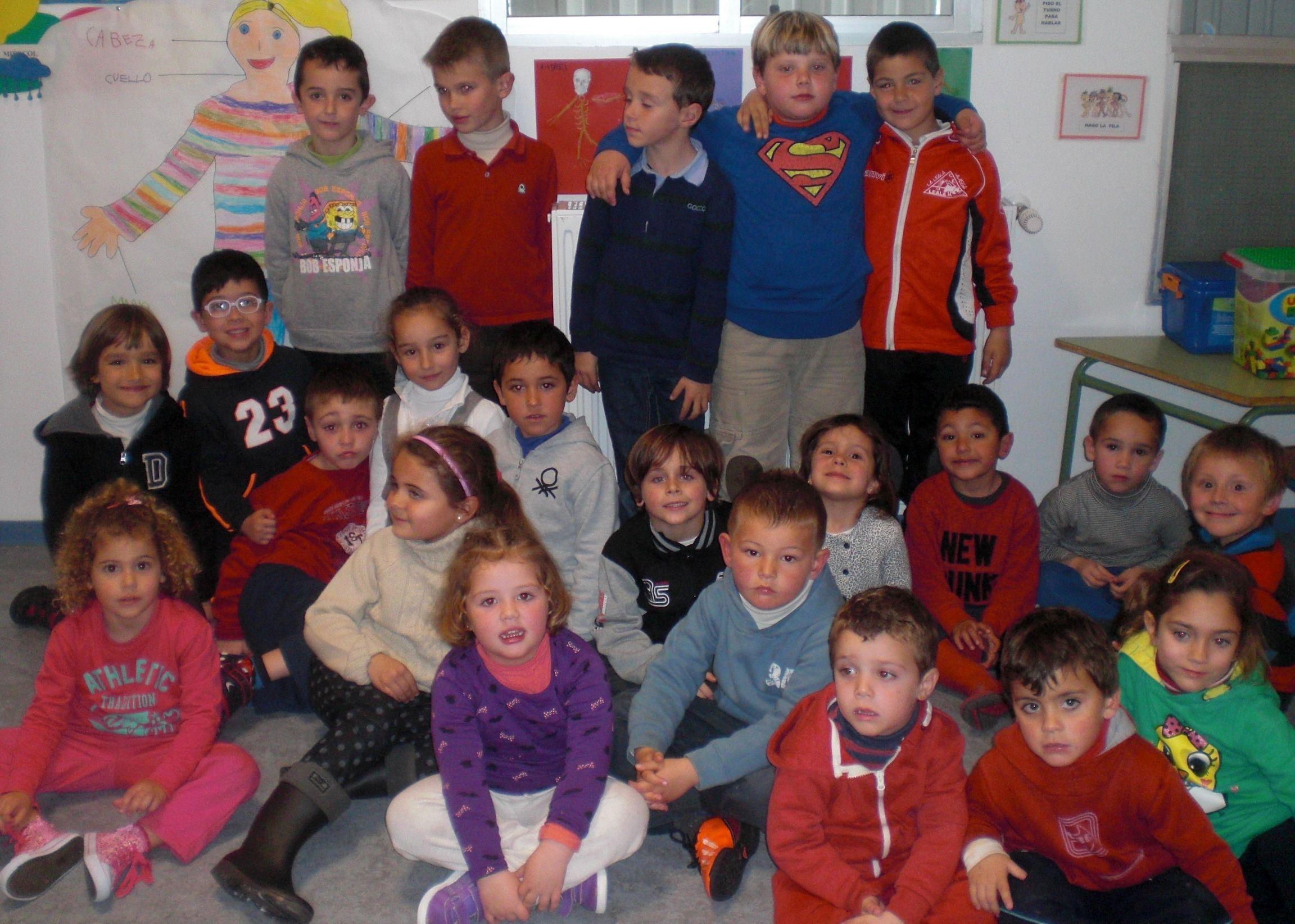 XXII Muestra de Teatro de Centros Docentes: AMPA CEIP La Leala ' El mundo necesita ayuda'