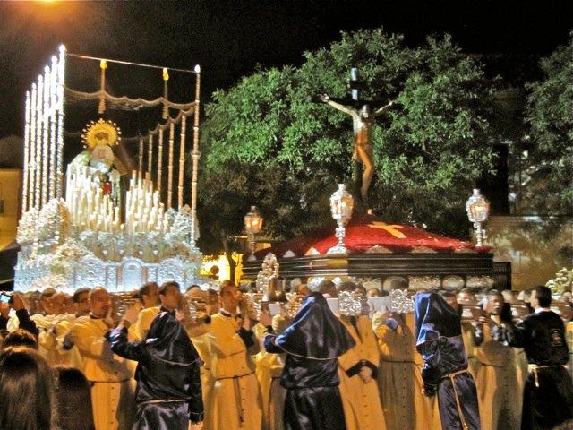 Viernes Santo: Procesión del Stmo. Cristo de la Redención y María Stma. De los Dolores