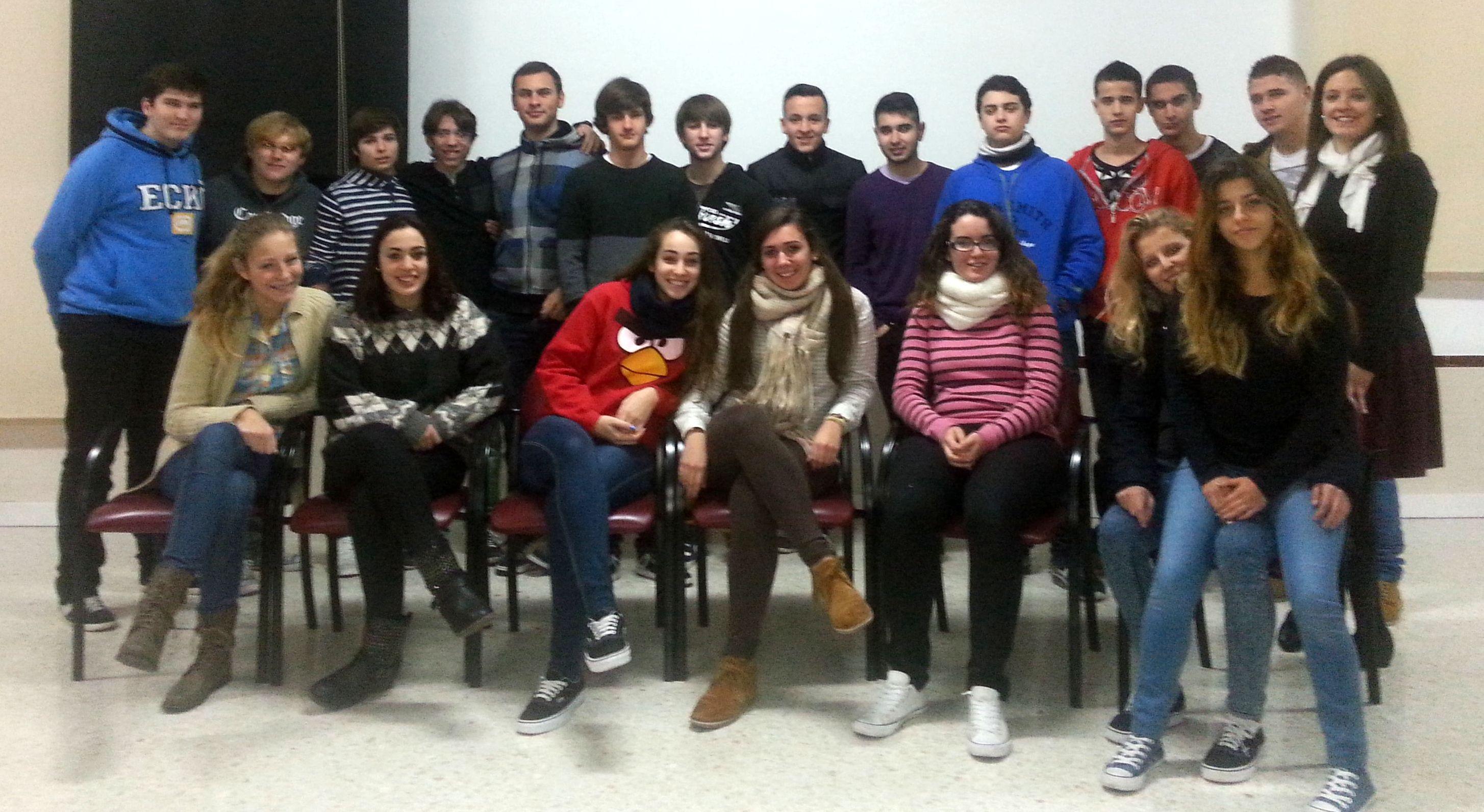 XXII Muestra de Teatro de Centros Docentes: IES Cerro del Viento 'Tout est chaos'