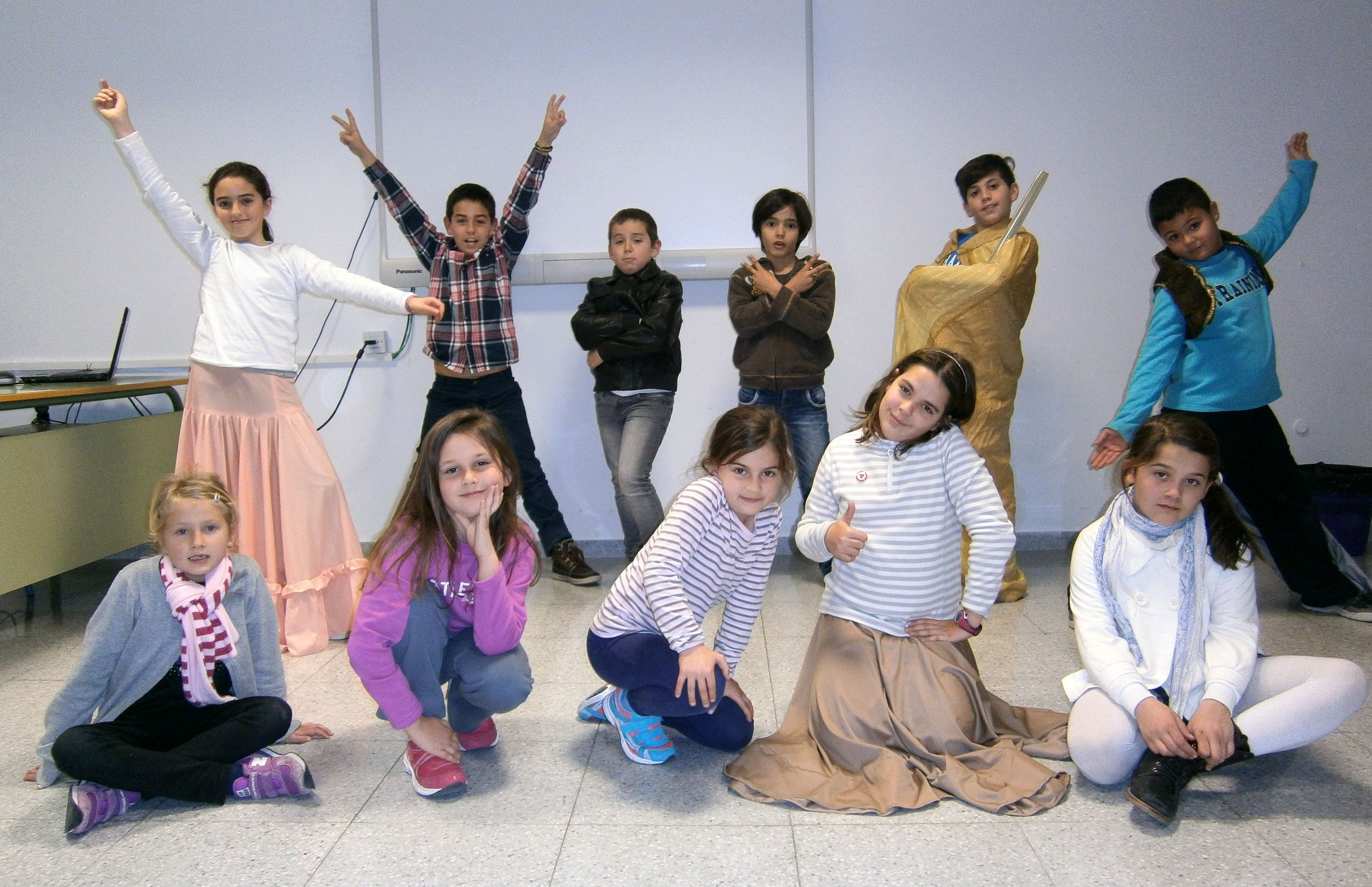 XXII Muestra de Teatro de Centros Docentes: CEIP La Leala 'Un pequeño mundo musical'