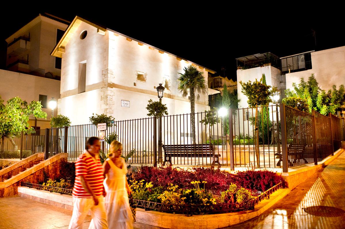 Plaza de la Tribuna - Noche - Arroyo de la Miel