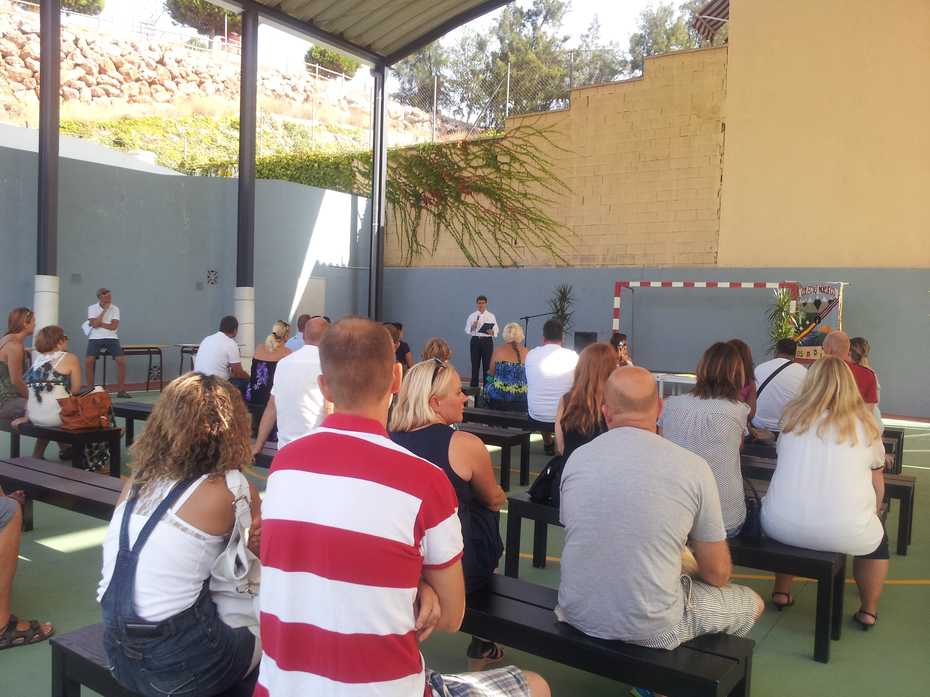 The Councillar for Foreigners' meets with Norwegian residents of Benalmadena.