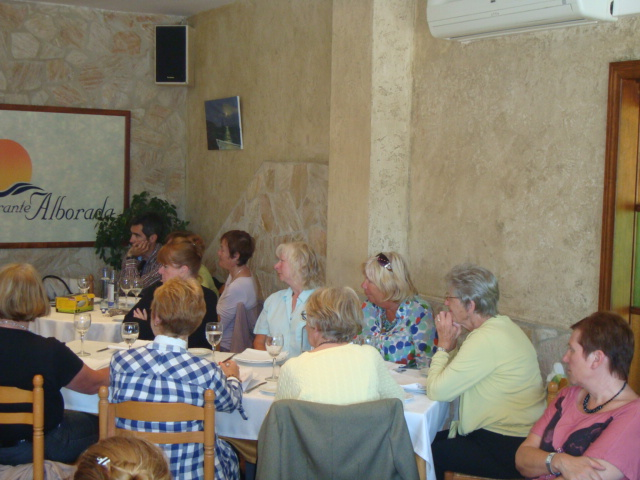 Spanish cookery course organized by the Foreigners' Department.