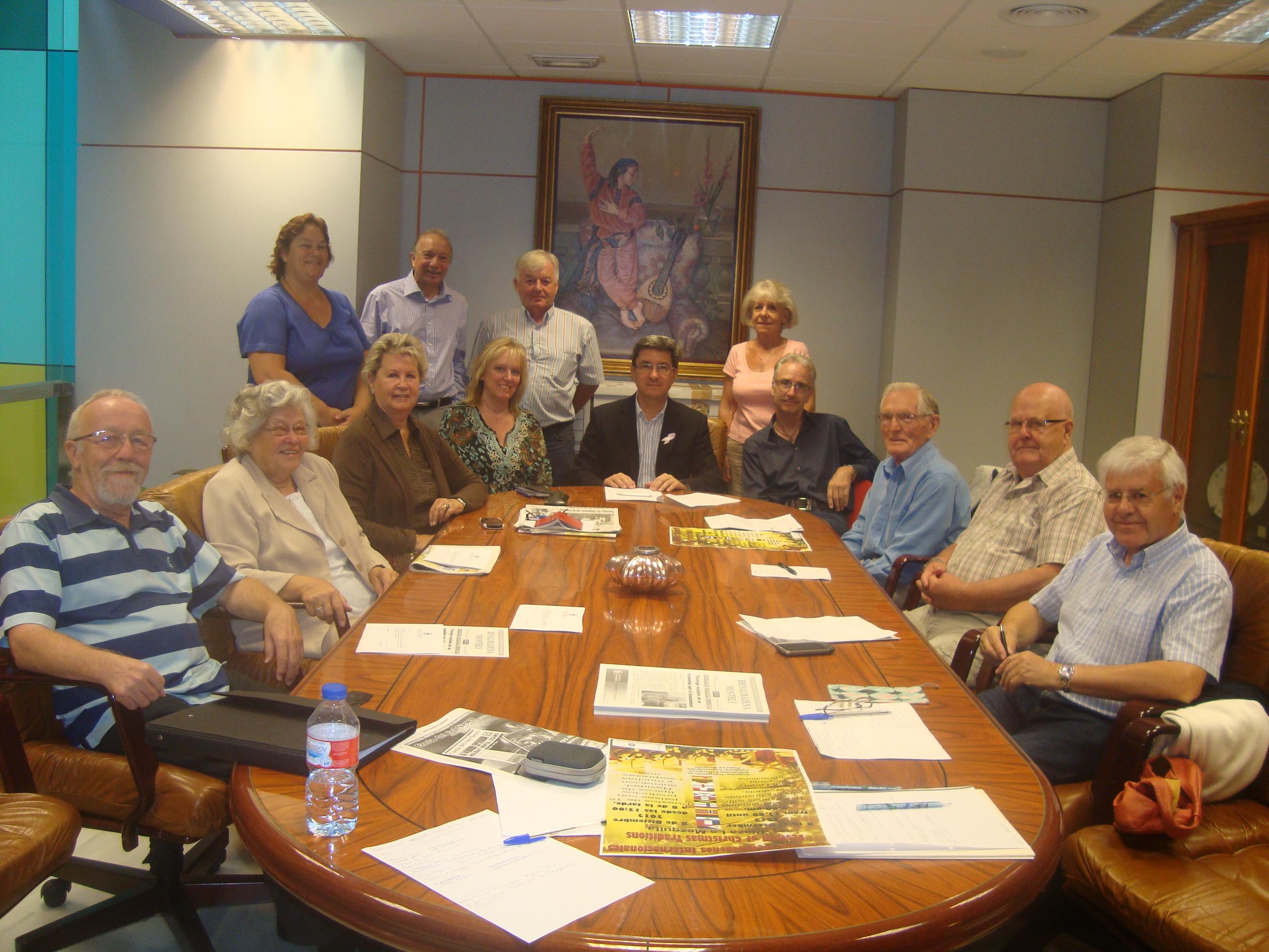 Empadronamiento benefits explained to representatives of fereign associations and clubs.